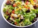 Рецепта Пъстра салата Лоло Росо и чушки